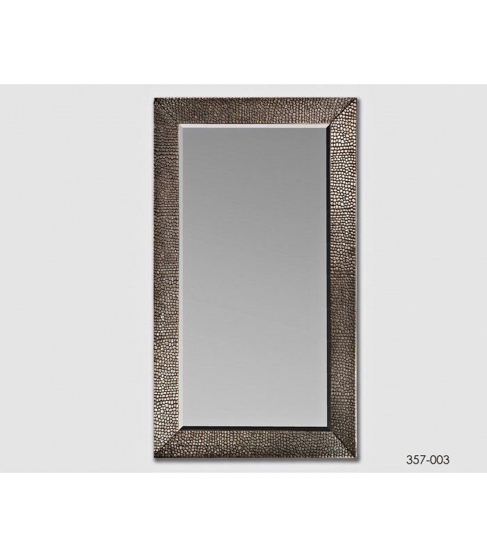 Espejo de pared color plata ideal para dar amplitud a las for Espejo 140 x 80
