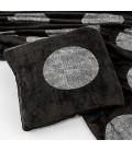 Cojín negro con topos plata