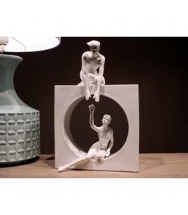 Figura escultura enamorados blanco
